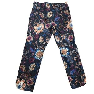 UP! Blue Floral Pull On Capris Size 12
